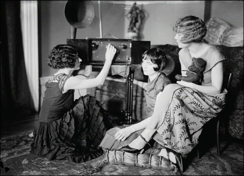 The Brox Sisters tune their radio